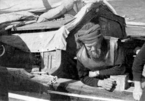 Ο διοικητής κομάντο Φώτης Σπανός σε αποστολή υποδυόμενος τον Τούρκο έμπορο.