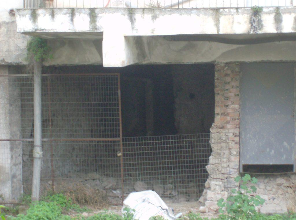 σώζεται ακόμα στη Λιβαδειά η Κομαντατούρ, στο υπόγειό της γινόταν βασανιστήρια