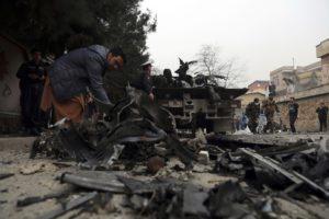 """""""Μαμά σήκω … Μαμά"""":  Σπαρακτικό βίντεο μετά από έκρηξη στην Καμπούλ"""