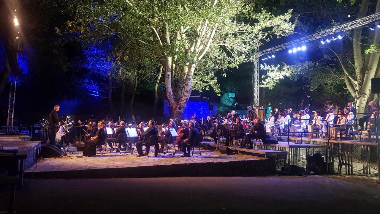 Αρκαδία: Μάγεψε η ορχήστρα σύγχρονης μουσικής της ΕΡΤ- Της Λευτεριάς τ' αγέρι
