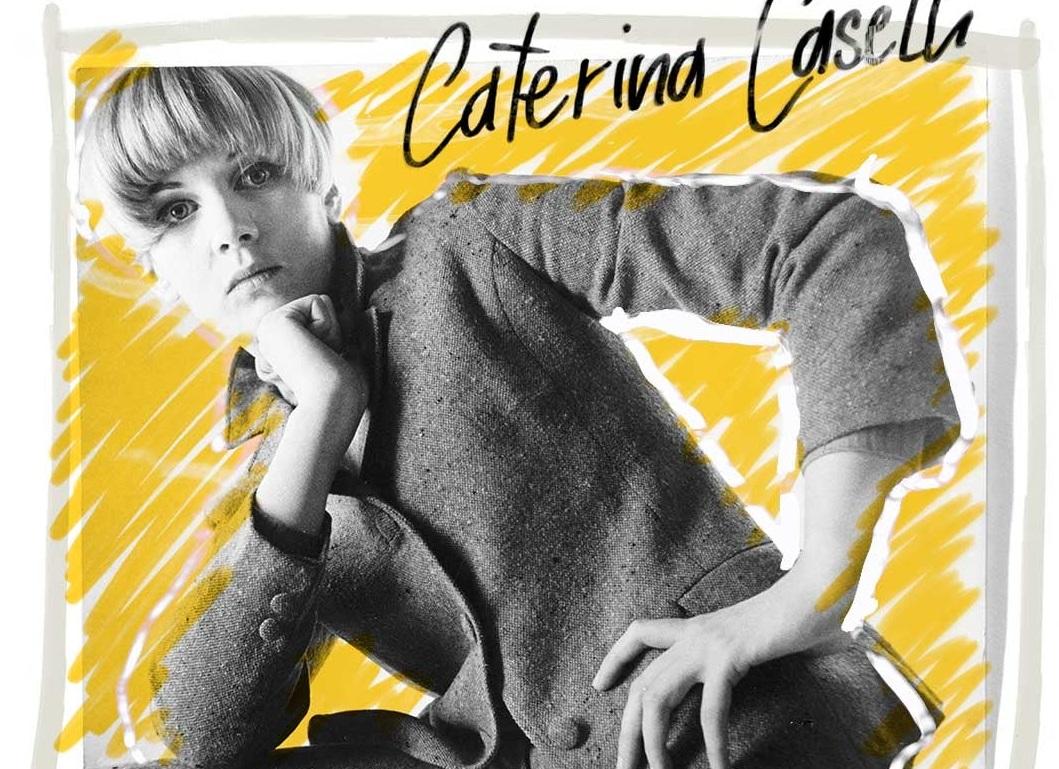 Κατερίνα Καζέλι: Η Ιταλίδα τραγουδίστρια θρύλος, το ντοκιμαντέρ για τη ζωή της και το «αμόρε» στην Κρήτη